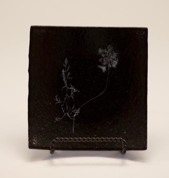 Black Queen Anne Vitra Tray 185
