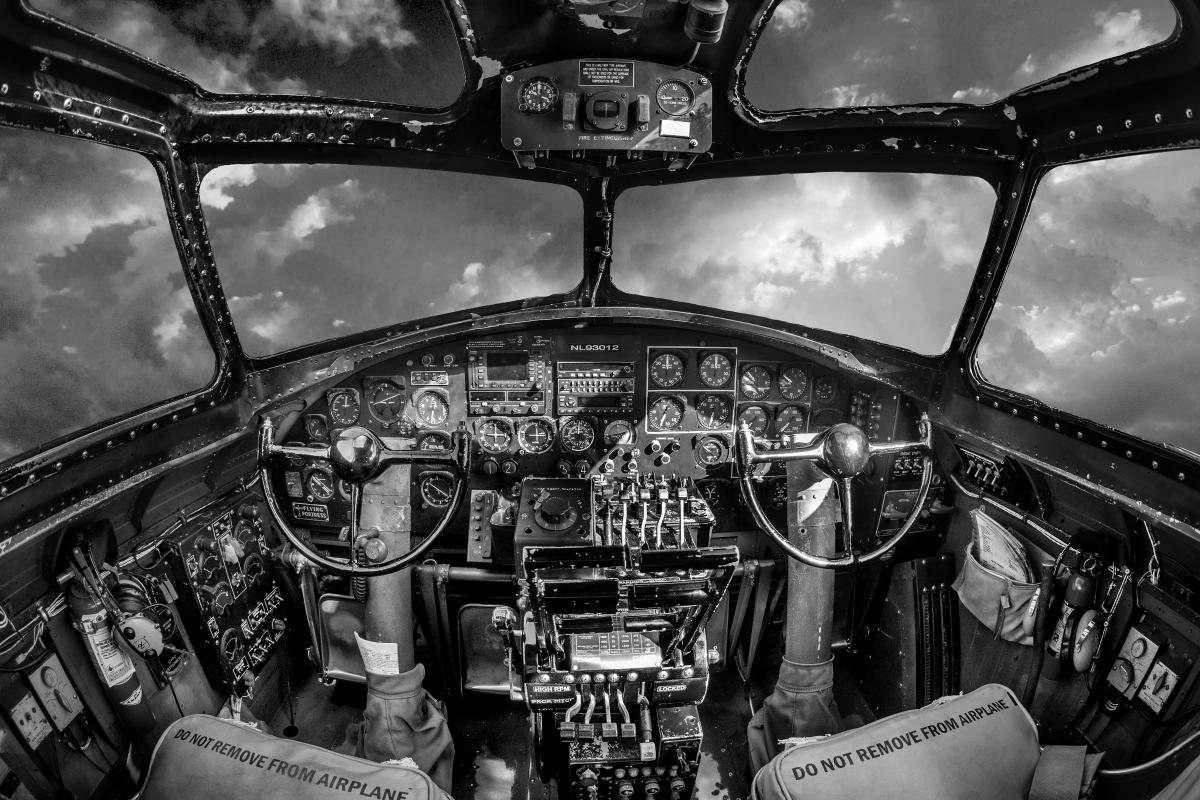 B-17 Flying Fortress, Cockpit