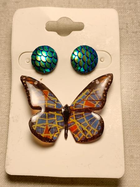 Large Marriott carpet butterfly pin