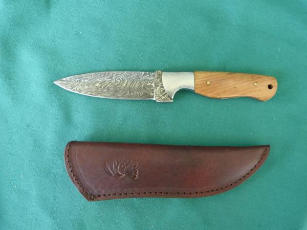 Custom Damascus Knife 15