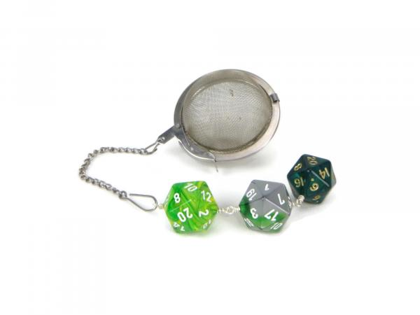 Tea infuser with D20 charm