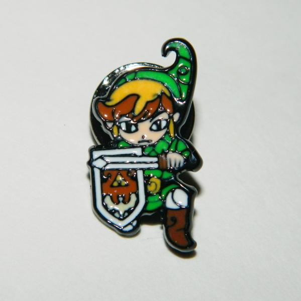 Nintendo The Legend of Zelda Link with Sword and Shield Metal Enamel Pin NEW