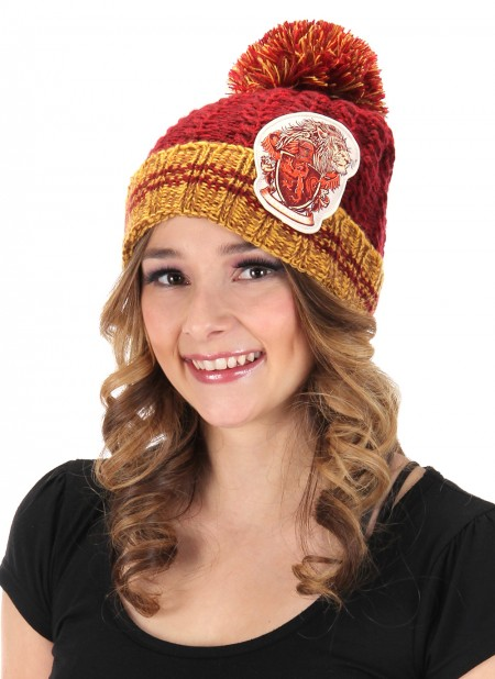 Harry Potter House of Gryffindor Heathered Pom Beanie Hat with Crest NEW UNWORN