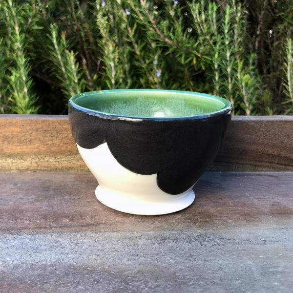 small green silhouette bowl