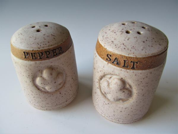 SS41 Salt and pepper shakers picture