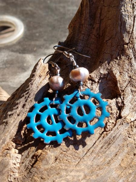 Enamel Blue Sprocket with Gray Pearls