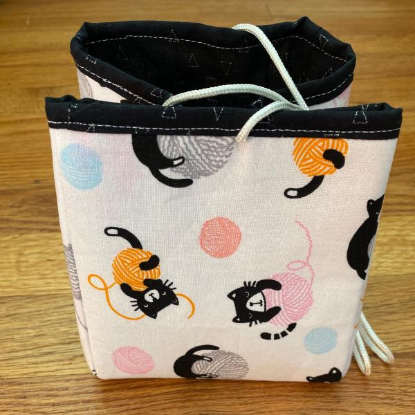 Project Bag - Balls of Yarn with kittens