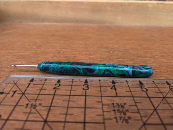 Dark Marbled US size C - 2.75mm Crochet hook picture