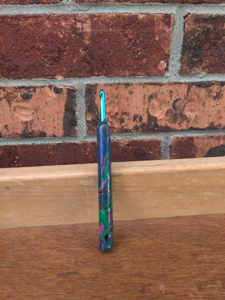 Blue and Green Marbled US size H - 5mm Crochet Hook