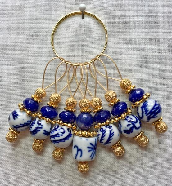 Blue/White Oriental Design on Gold Stitch Markers Sparkle