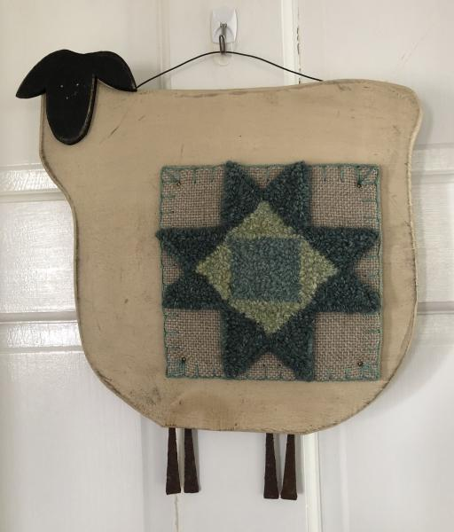 Wood Sheep Quilt picture