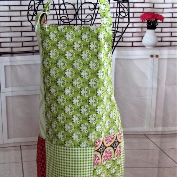 Petite Adult/Teen Reversible Full Bib Apron w/Adjustable Neck Strap picture