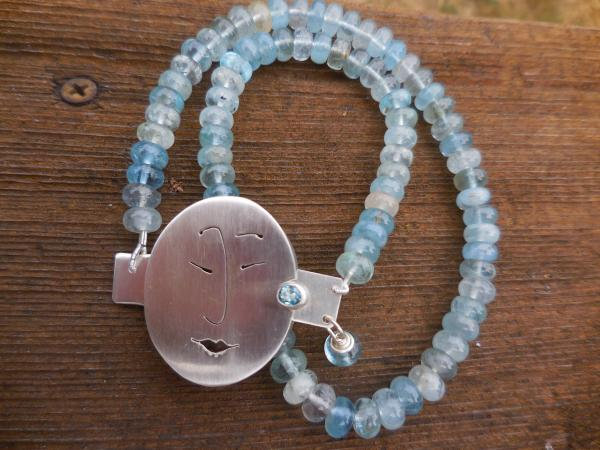 Unmentionables Face clasp in sterling silver with aquamarine LY N 3333