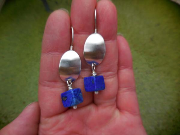 Sterling silver oval domes with lapis square beads LY E 7722