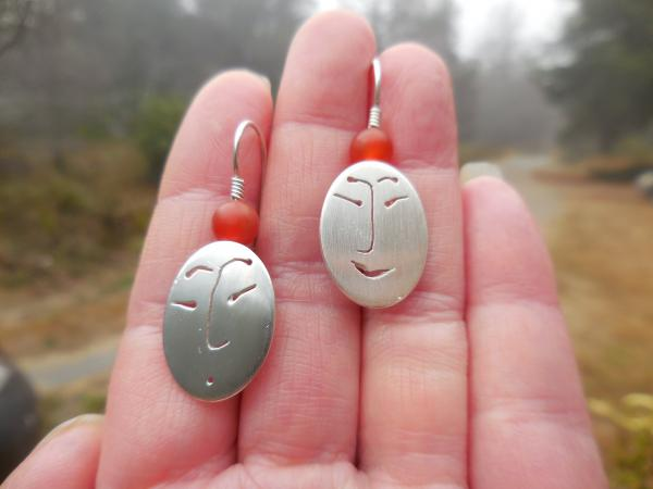 Oval faces in sterling silver with matte carnelian beads LY E 7755