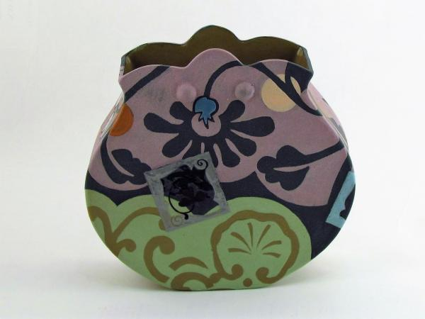 Purple-Green Pouch Vase with Scallop Top