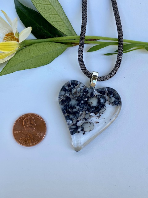Heart Necklace with Mesh Chain picture