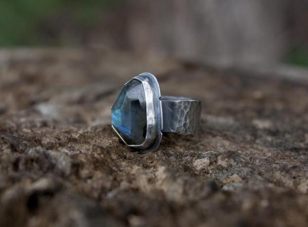 Labradorite Ring picture