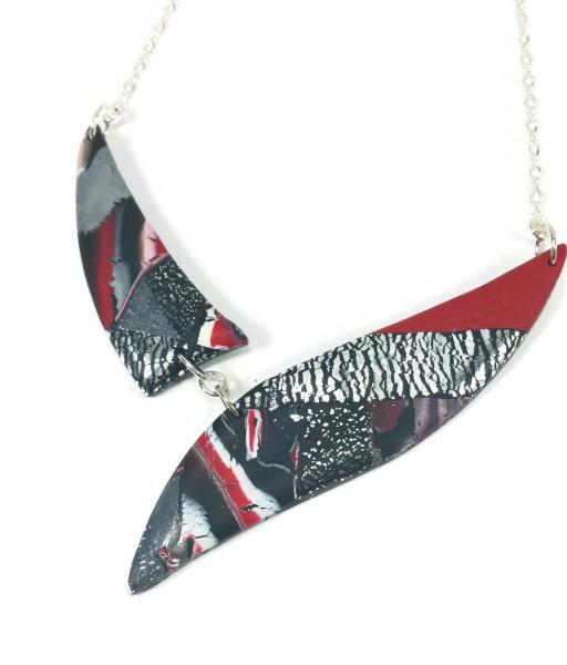 Marbled 2 Piece Shard Necklace - Red Black White