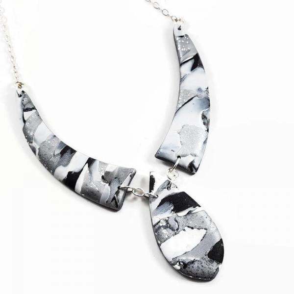 Mosaic 3 Piece Drop Necklace - Black / White