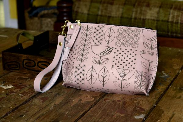 Folksy Floral Everyday Leather Wristlet
