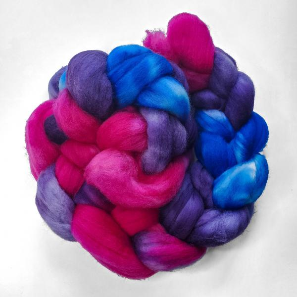 Bisexual Pride - Unspun Roving - 4 oz, 70% Bluefaced Leicester 30% Nylon