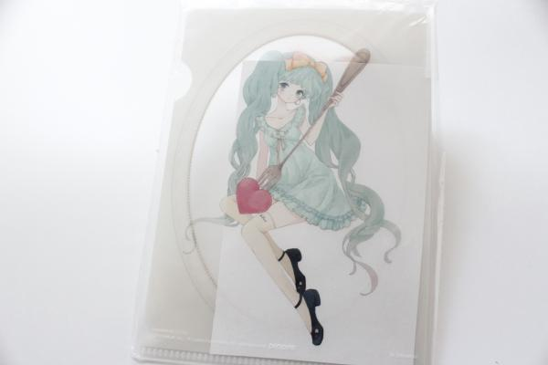 Miku wears MILK mini clearfile
