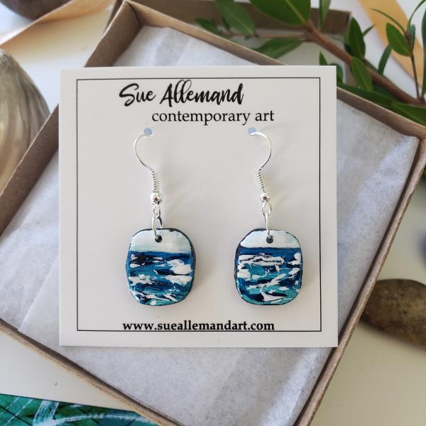 ROUNDED SQUARE OCEAN DANGLES