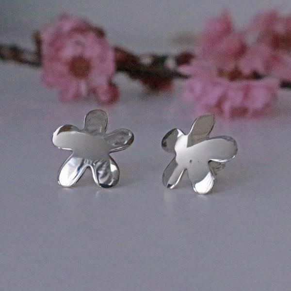 Daisy Silver Earrings | High Polished Sterling Silver | Sterling Silver Post Earrings