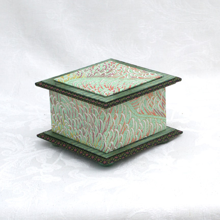 "Mint Reeds Washi Covered Box, 4.5""x 4.5"" (brim to brim); 3.25"" tall"