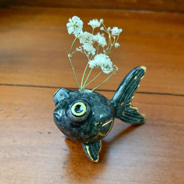 Pop Eyed Black Goldfish Flower Vase