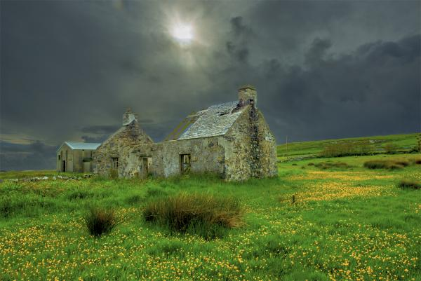 Abandoned Cottage Islay Scotland picture