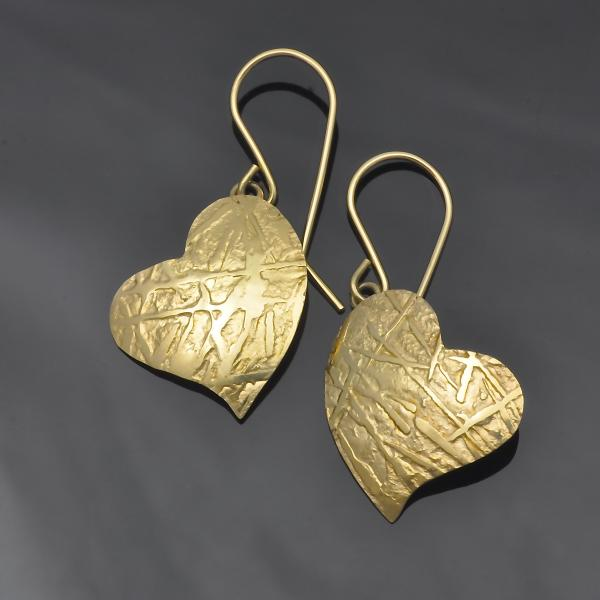 14KY gold frost pattern repousse' heart earrings