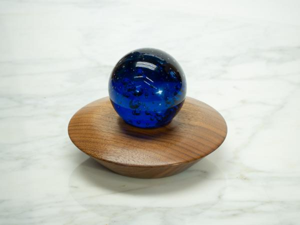 Walnut Bowl, Crystal/Sphere Holder
