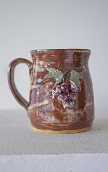 Mug with Grapes