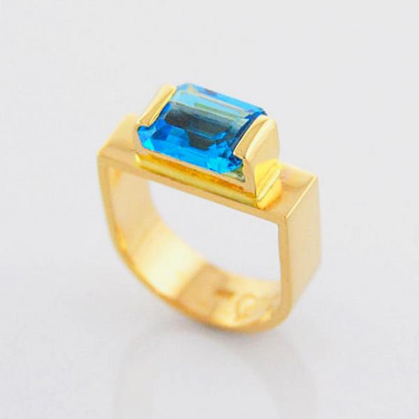 London Blue Topaz Stirrup Design Ring in 14K Yellow Gold