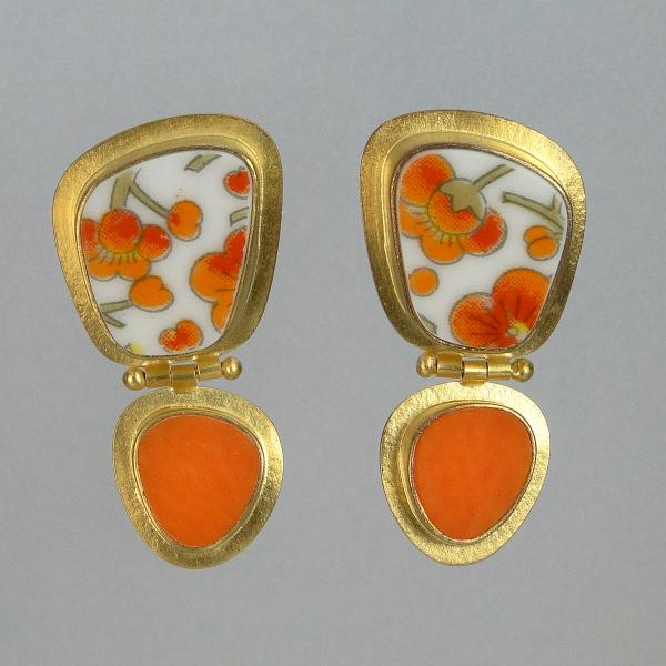 Hinged Earrings in Japanese Porcelain and Orange Glass