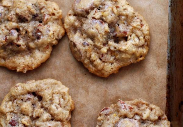 Chocolate Chip Cookies with Oatmeal and Pecans from Cindy Stone