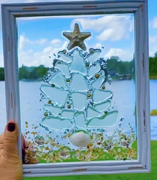 Seaglass Christmas tree picture