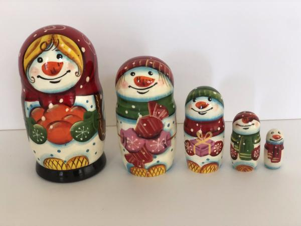 Snow Girl with oranges 5 peace's nesting dolls