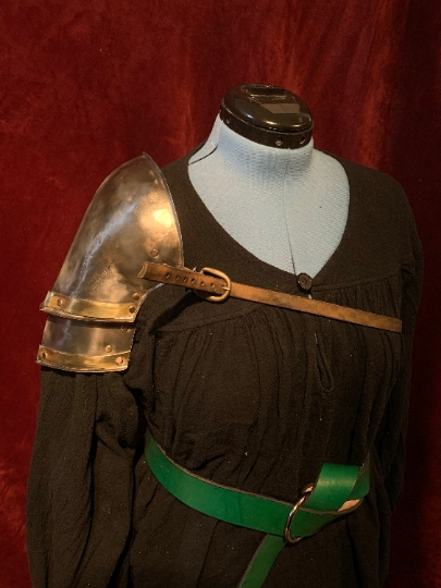 Paladin  Series Shoulder Pauldron - Single
