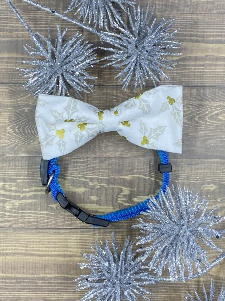 Gold and White Holly Dog Bowtie.