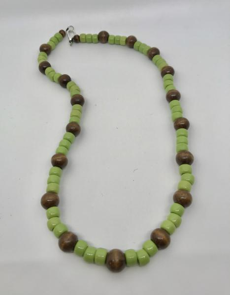 Wood & Green Necklace picture