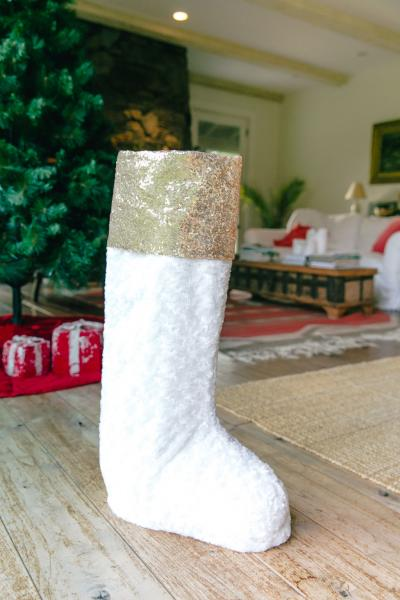 "24"" Gold & Fur Standing Stocking"