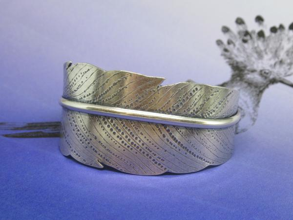 Feather Cuff with Random Dot Texture
