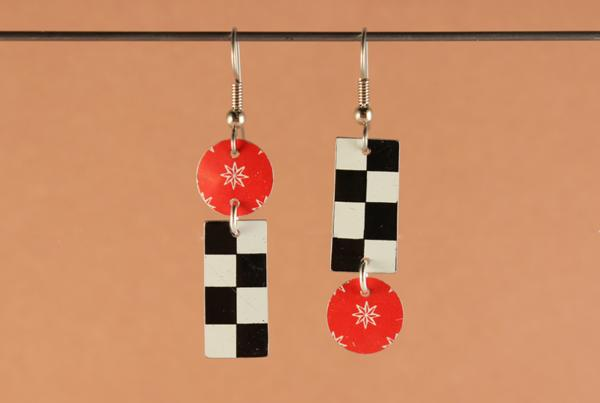 E419 Winner's Circle Tin Earrings