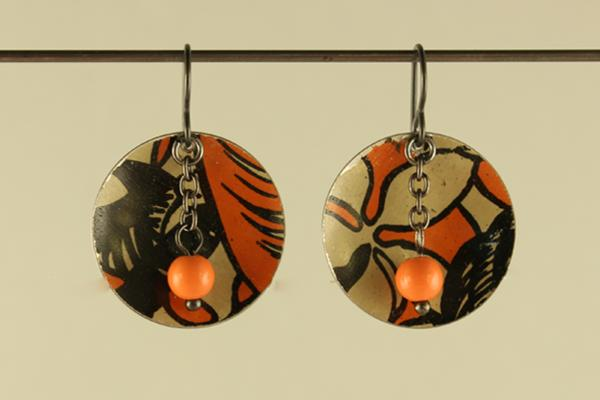 E395 Orange & Black Tin Discs