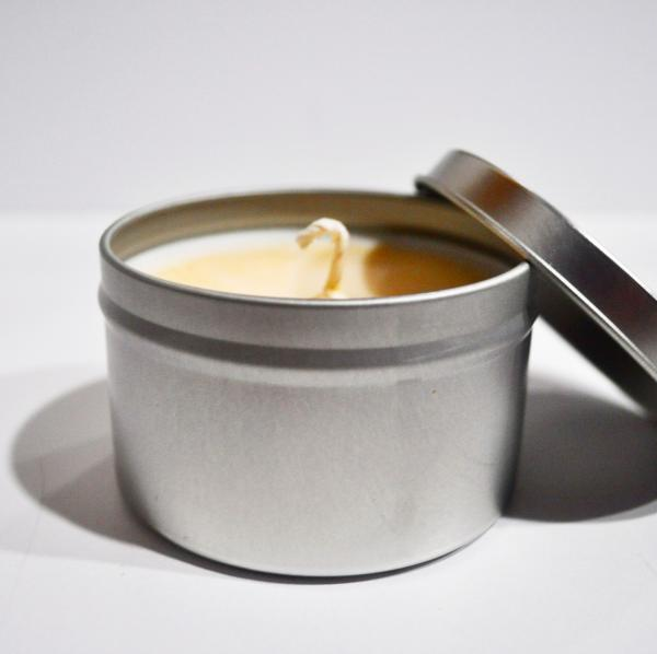 Warm Vanilla Caramel 6oz Tin Candle picture