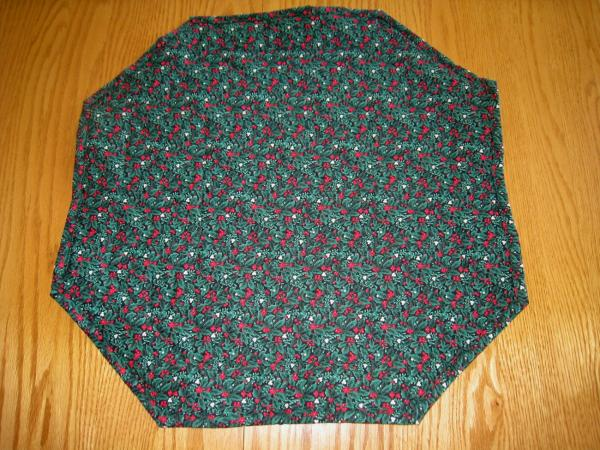 Christmas Holly Table Topper picture
