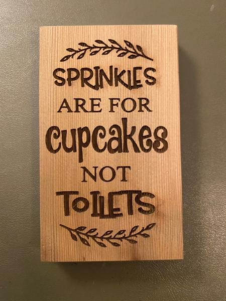 Small Wood Block Plaque - Cupcakes